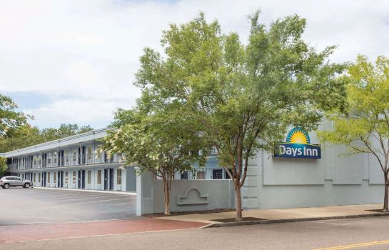 Buitenaanzicht Days Inn by Wyndham Charleston Historic District