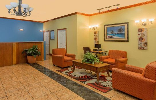 Hotelhalle Days Inn by Wyndham Fort Myers