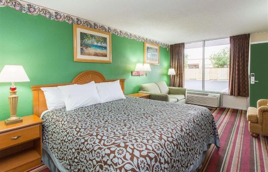 Zimmer Days Inn by Wyndham Fort Myers
