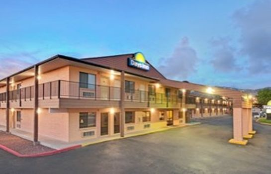Exterior view DAYS INN EAST ALBUQUERQUE