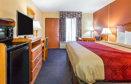 Zimmer Econo Lodge Inn and Suites Evergreen