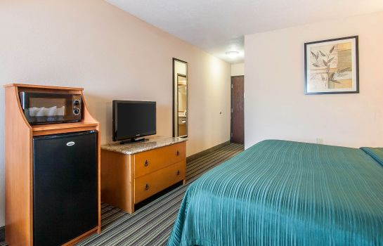 Zimmer Quality Inn and Suites Centerville