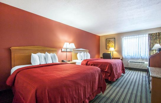 Room Quality Inn & Suites Centerville