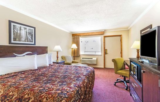 Zimmer DAYS INN SAN ANTONIO