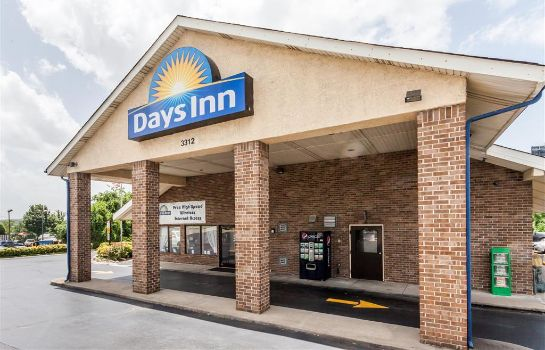Außenansicht DAYS INN NASHVILLE NORTH-OPRYL