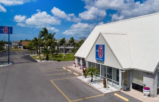 Picture Motel 6 Englewood, FL Motel 6 Englewood, FL
