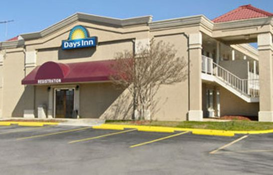 Exterior view DAYS INN GREENSBORO AIRPORT