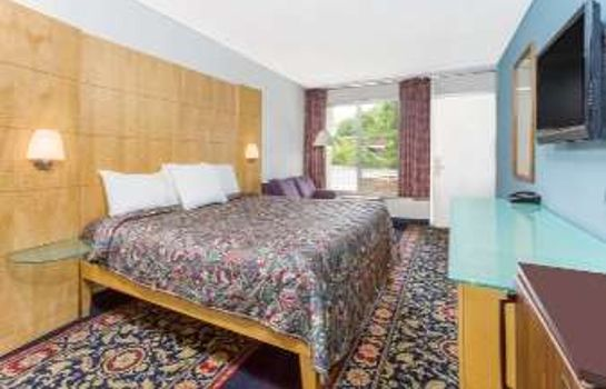 Room DAYS INN GREENSBORO AIRPORT