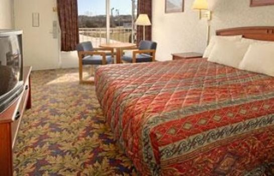 Habitación DAYS INN GREENSBORO AIRPORT
