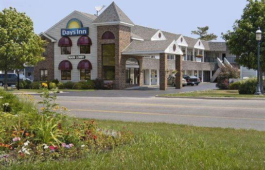 Vista exterior Days Inn by Wyndham Mackinaw City - Lakeview