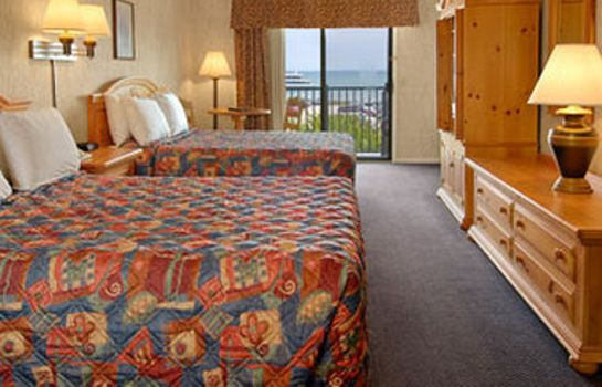 Zimmer DAYS INN MACKINAW CITY