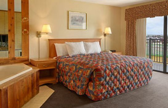 Habitación Days Inn by Wyndham Mackinaw City - Lakeview