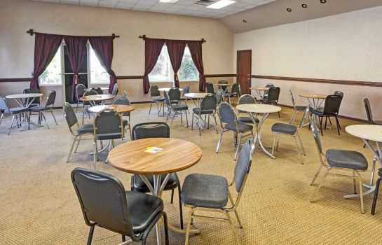 Conference room DAYS INN JACKSONVILLE SOUTH