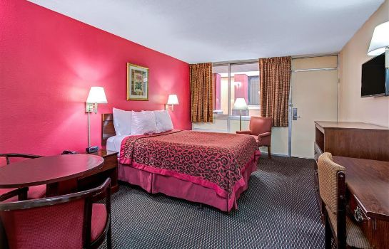 Zimmer DAYS INN ORLANDO MILLENIA MALL