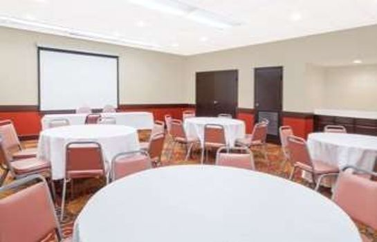 Sala de reuniones DAYS INN & SUITES BY WYNDHAM S