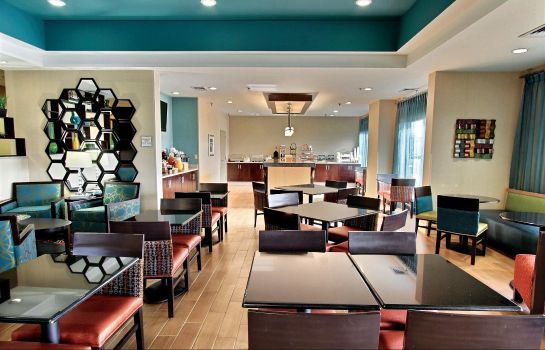 Restauracja La Quinta Inn & Suites by Wyndham Richmond-Midlothian
