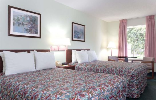 Zimmer Days Inn by Wyndham Crystal River