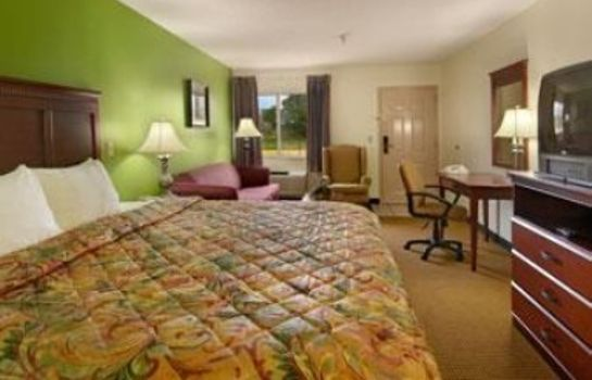 Suite DAYS INN AND SUITES WICHITA
