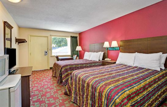 Zimmer DAYS INN ELIZABETH CITY