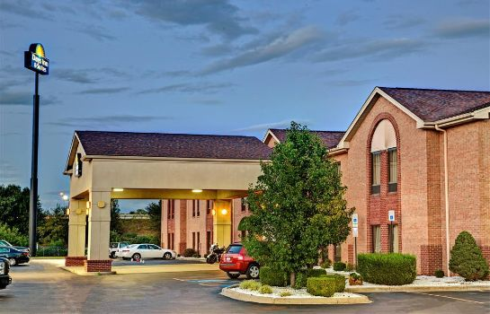 Außenansicht DAYS INN & SUITES LOUISVILLE S