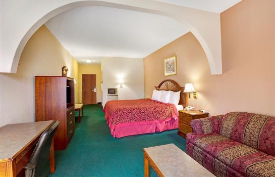 Suite DAYS INN & SUITES LOUISVILLE S