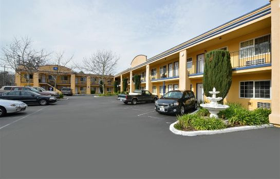 Vista exterior Americas Best Value Inn Chico