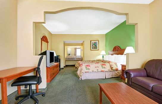 Suite DAYS INN NASHVILLE