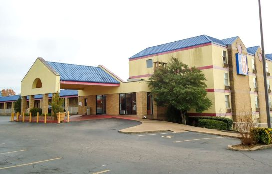 Exterior view MOTEL 6 MEMPHIS TN