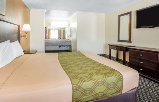 Room Econo Lodge Near LAX