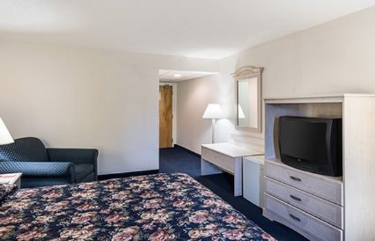 Zimmer Econo Lodge Inn & Suites Resort - Rehoboth Beach