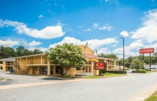 Exterior view Econo Lodge Inn & Suites at Ft. Benning