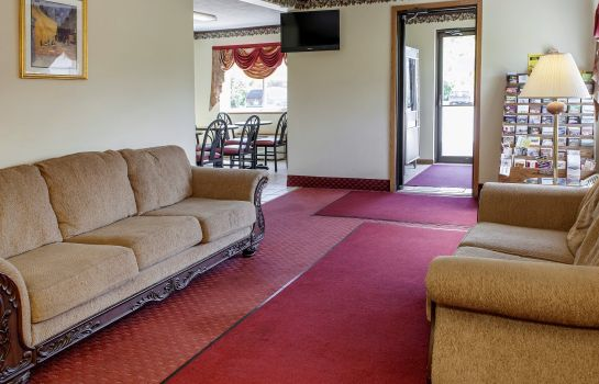 Hall Econo Lodge Chesterton