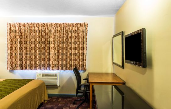 Room Econo Lodge Warrensville Heights