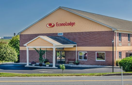 Exterior view Econo Lodge Lancaster