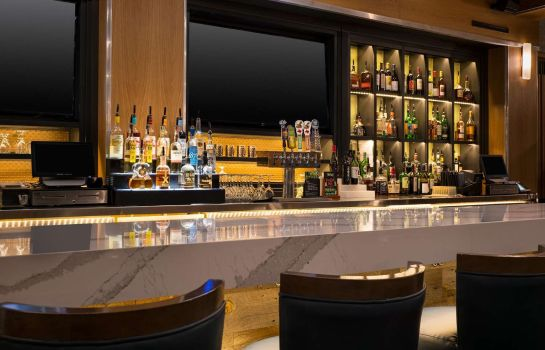 Hotel bar Embassy Suites by Hilton Austin Central