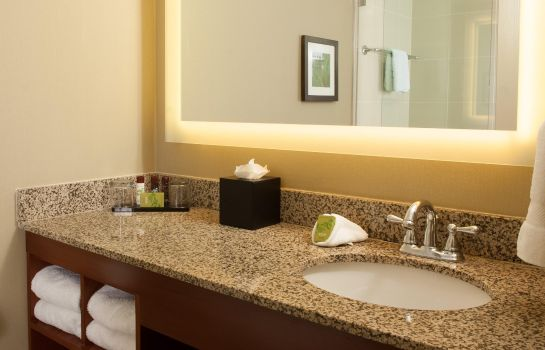 Zimmer Embassy Suites by Hilton Nashville Airport