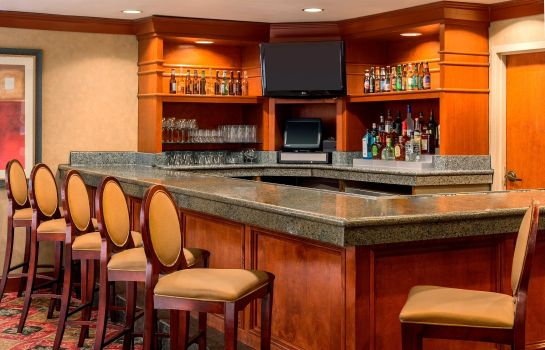Hotel bar Embassy Suites by Hilton Columbia Greystone