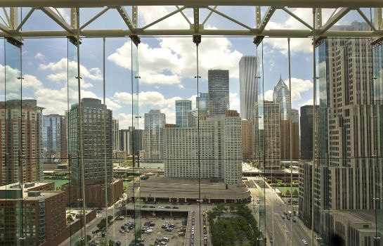 Vista esterna Embassy Suites by Hilton Chicago Magnificent Mile