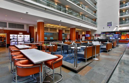 Hotelhal Embassy Suites by Hilton Chicago Magnificent Mile