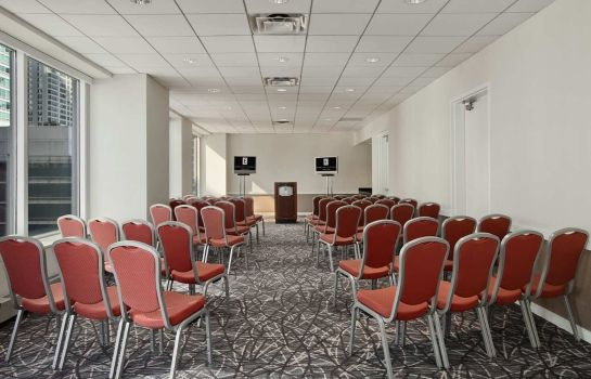 Sala congressi Embassy Suites by Hilton Chicago Magnificent Mile