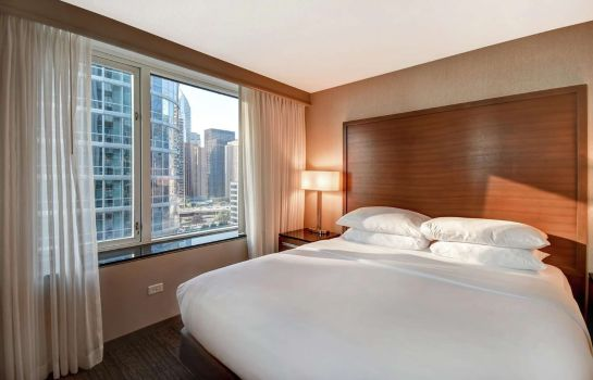 Zimmer Embassy Suites by Hilton Chicago Magnif