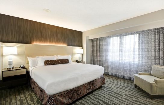 Suite Embassy Suites Charlotte