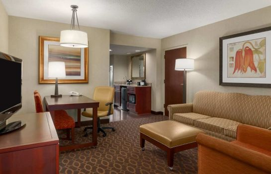 Room Embassy Suites Charlotte