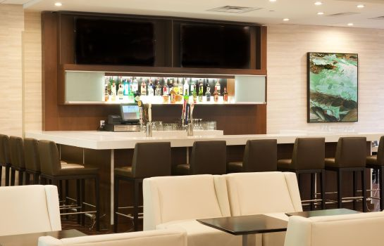 Hotel bar Embassy Suites by Hilton Cincinnati Blue Ash