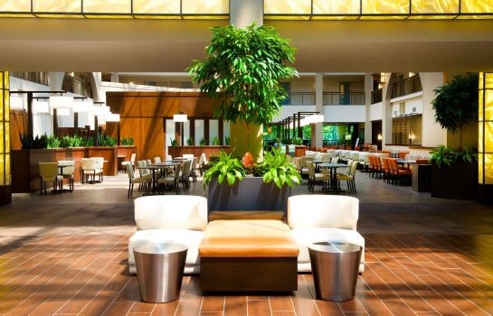 Lobby Embassy Suites by Hilton Cincinnati Blue Ash