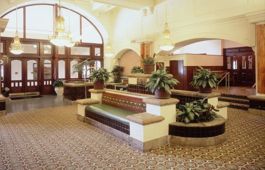 Hol hotelowy Embassy Suites by Hilton Dallas DFW Airport South