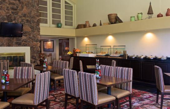 Hotel bar Embassy Suites by Hilton Flagstaff