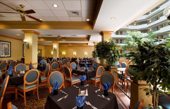 Restaurant Embassy Suites by Hilton Greensboro Airport