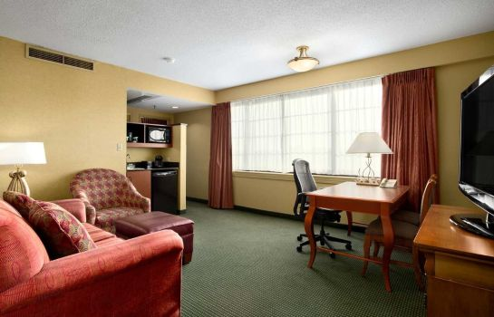 Suite Embassy Suites Greensboro - Airport