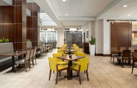 Restauracja Embassy Suites by Hilton Indianapolis Downtown